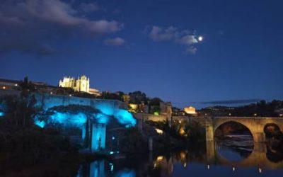 Castilla-La Mancha se ilumina de azul para concienciar a la sociedad sobre el Daño Cerebral