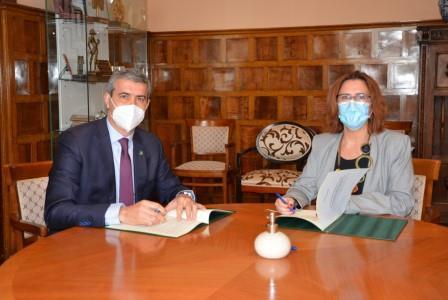 Convenio entre la Diputación de Toledo y ADACE CLM para fomentar la autonomía de personas con DCS en los Centros de Atención Directa de Toledo y Talavera de la Reina