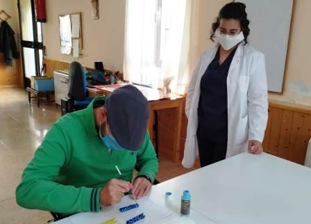 A través del Fondo Social Europeo hemos podido convertir el contrato a tiempo parcial de Esther Rodríguez, nuestra educadora social en Talavera de la Reina, en una contratación a jornada completa